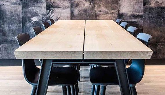 Elegante Designermöbel Aus Eichenholz Und Lasergeschnittenem