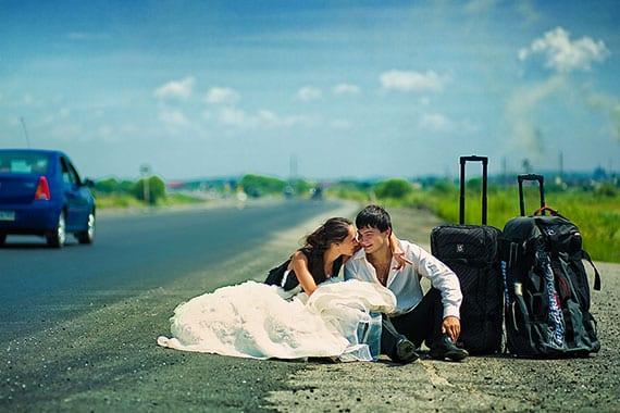 tolle hochzeit fotoidee für weltbummler-Brautpaare