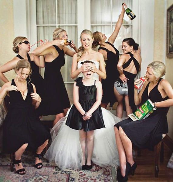 hochzeit fotoideen für lustige braut fotos mit den Brautjungfern
