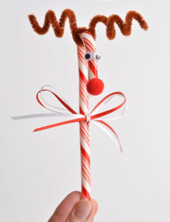 cooles basteln zu weihnachten mit zuckerstangen und chenilledraht