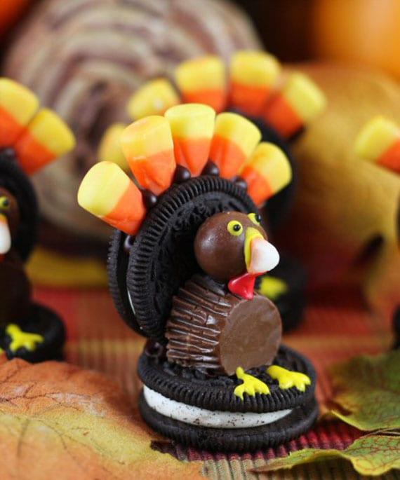 kreative kinder bastelidee für Truthahn aus oreo, schokopralinen und Candy Corns
