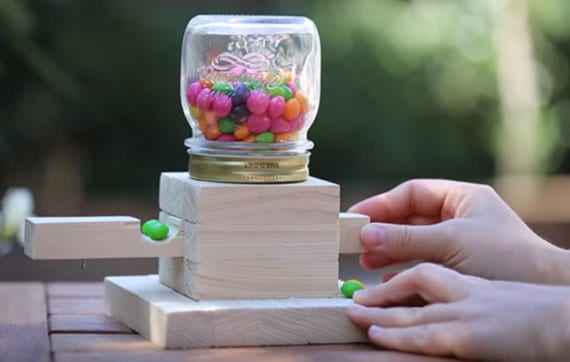 coole bastelidee für DIY Kindergeschenk aus holz