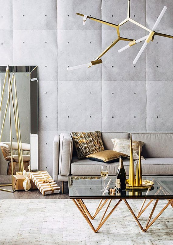 Wohnzimmer Tapezieren Ideen Mit Betontapete, Sofa Grau, Kafeetisch Glas Und  Metall, Designer Hängelampe