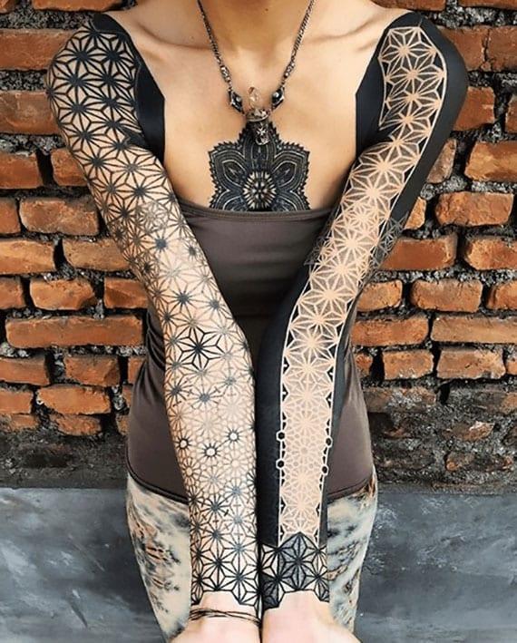solid black tattoo idee für geometrische ärmel-tätowierung für frauen