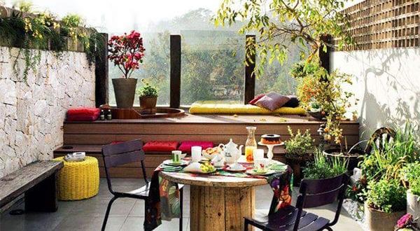 Den Balkon mit passenden Pflanzen und Blumen im September beleben