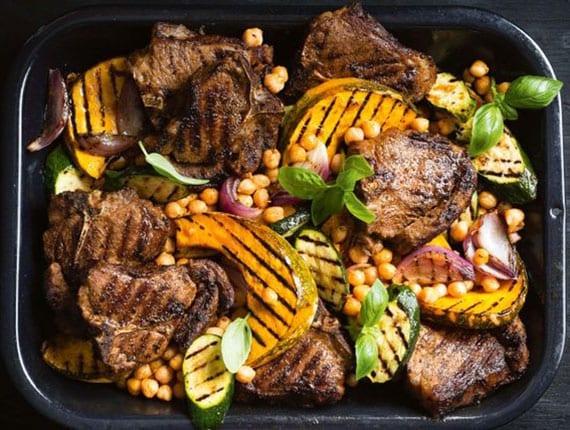 leckeres kürbisrezept mit lamm, kichererbsen,Zucchini,basilikum und Moschus-Kürbis gegrillt