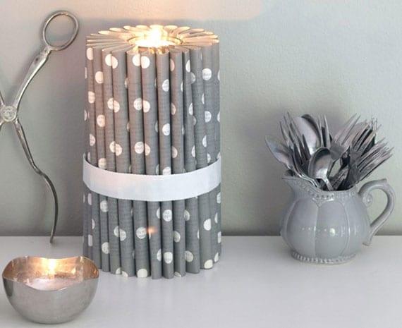 wunderschöne und interessante bastelideen für selbstgemachte teelichthalter aus papier für festliche Kerzendeko in silber zu weihnachten
