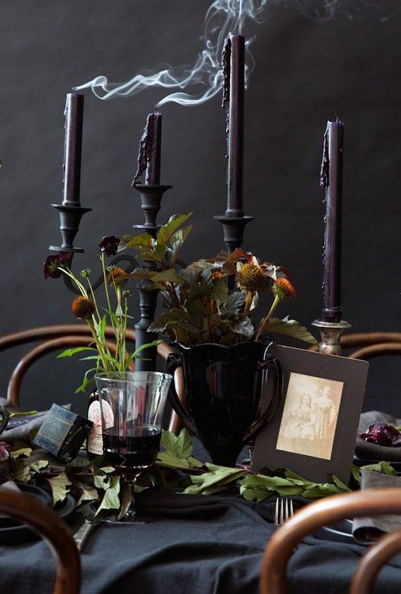 coole horror halloween partyideen für eine elegante Halloween Tischdeko in Gothic-Stil