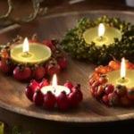 teelichter basteln und dekorieren mit beeren für natürliche tischdeko mit kerzen zu weihnachten und im herbst