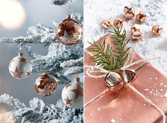 coole weihnachtsdeko idee mit christbaumkugeln in weiß und kupfer und tolle geschenkverpackung mit nadelbaumzweigen und kupfer-glocken