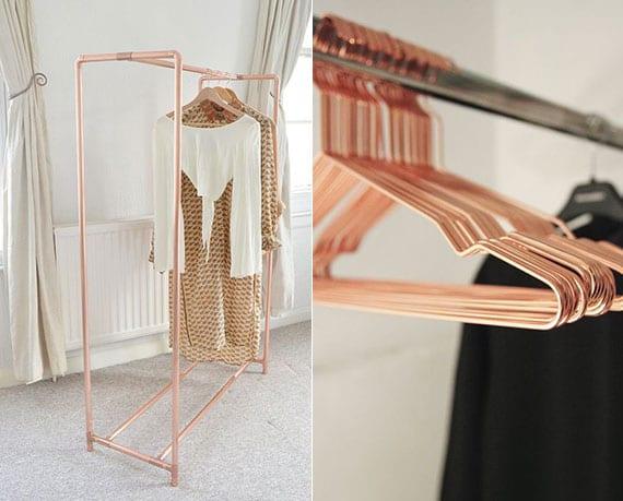 kupfer akzente im schlafzimmer_bastelidee für selbstgebauten kleiderständer aus kupferrohren