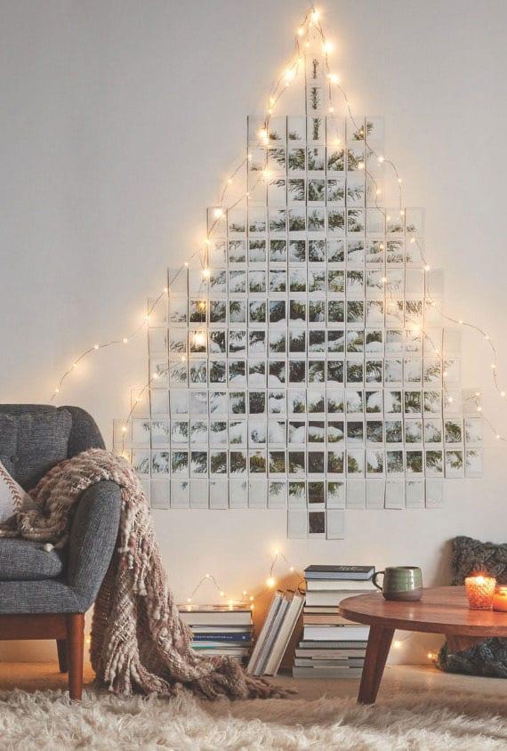 coole bastelidee für platzsparende christbaum aus fotos als leuchtende rustikale wanddekoration für enge und kleine wohnungen