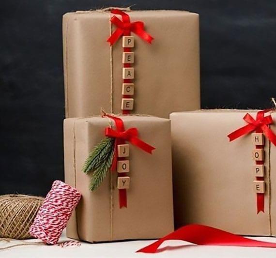 originelle Scrabble-Geschenkverpackung selber machen für weihnachtsgeschenke