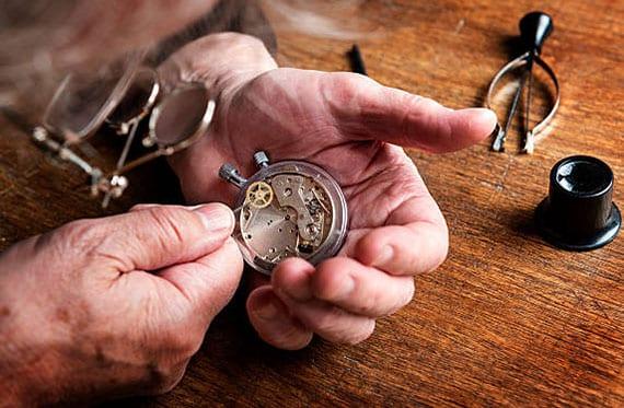 bei der wahl passender armbanduhr auch revision- und reparaturkosten beachten