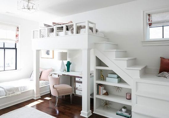 kreative einrichtungsideen für optimales jugendzimmer_kleines mädchen zimmer in weiß mit hochbett und einbauregal aus holz,schreibtisch mit polstersstuhl in hellrosa