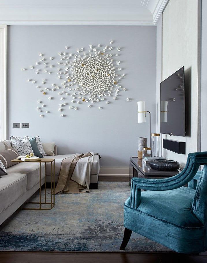 kleines und enges wohnzimmer funktional einrichten mit ecksofa, lowboard grau und tv-wandpaneel für flaches fernseher mit lautsprecher
