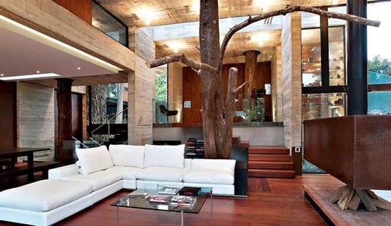 bäume-als-bestandteil-im-heutigen-interior-design-moderner-häuser-mit-offenem-grundriss