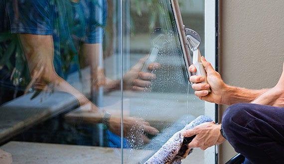 glas reinigen ohne streifen putztipps f r richtige wohnungsreinigung freshouse. Black Bedroom Furniture Sets. Home Design Ideas