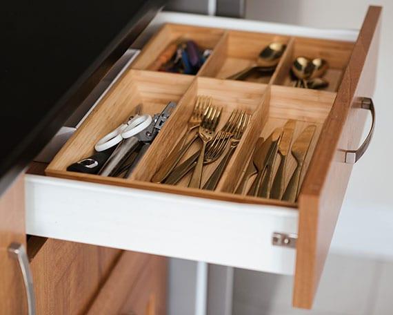 wie räumt man eine küche richtig ein_tipps für ordnung und entrümpeln der wohnung