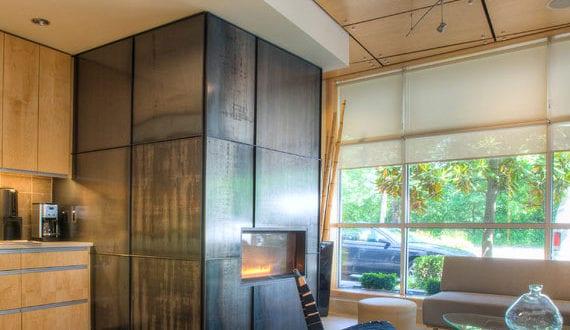 modernes wohnzimmer mit wohnk che gem tlich und elegant. Black Bedroom Furniture Sets. Home Design Ideas