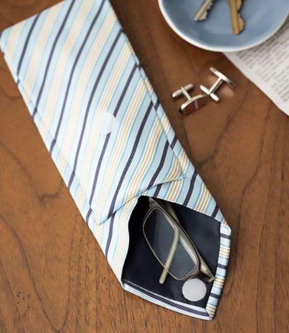 schickes Brillenetui selber machen aus einer krawatte