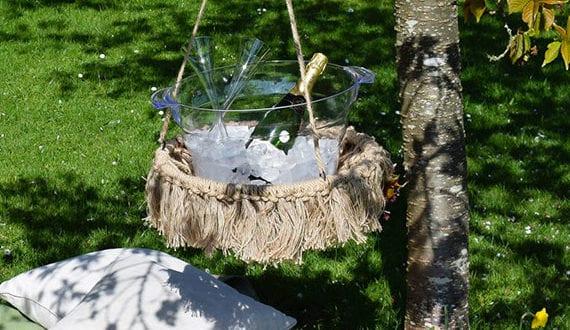 diy-beistelltisch-als-bequeme-mobile-hängetisch-fürs-picknick