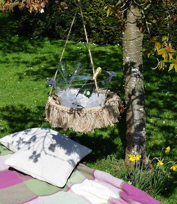 tolle ideen für romantisches picknick mit flasche wein