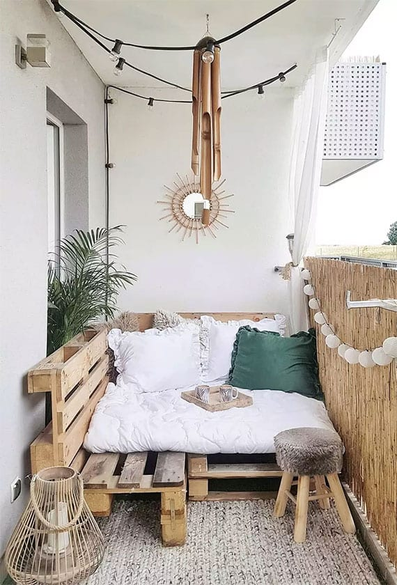 einladende-balkongestaltung-im-boho-chic-stil