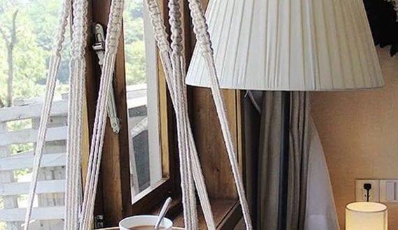 kreative-dekoideen-mit-einem-diy-beistelltisch-aus-makramee