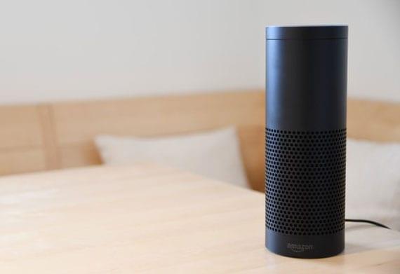 smarte Versionen moderner Haushaltsgeräte bequem und einfach über eine Sprachasisentin betreiben
