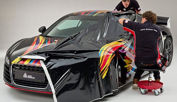 einzelne-Fahrzeugteile-oder-gesamte-Karosserie-mit-individuellem-Digitaldruck-auf-elastische-Kunststofffolie-kreativ-und-einzigartig-gestalten