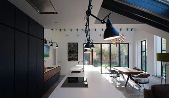 kreative-beleuchtungsideen-mit-variablen-lichteffekten-innovativer-pendelleuchten