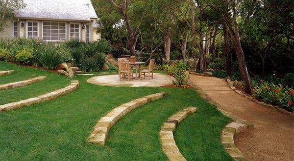 Der Reiz einer Gartengestaltung in Hanglage