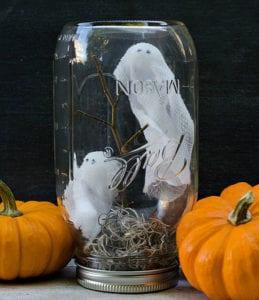 Upcycling-Ideen-mit-Einmachgläsern-zum-Basteln-von-Halloween-Deko