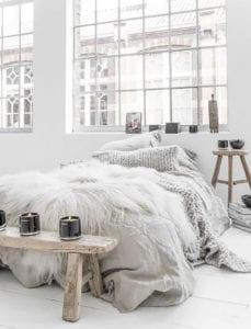 der-weiße-holzboden-als-bestandteil-der-hygge-home-einrichtung