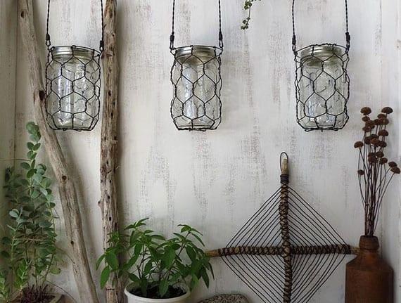 coole vuntage wanddekoration mit treibholz, kreutern und diy hängeleuchten aus mason jars