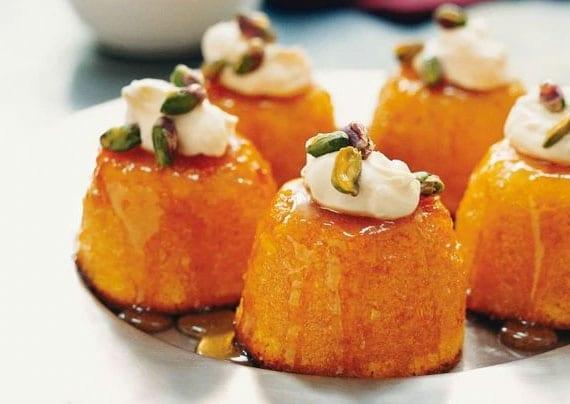kleine mandelkuchen mit mandarinen als dessertidee für partys