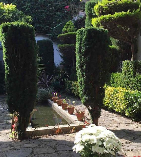 Platzsparende Gartengestaltung Tipps und Ideen für kleine ...