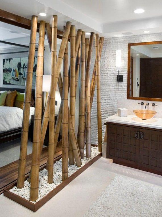 coole idee für schlafzimmer mit bad hinter glastrennwand mit bambusdeko