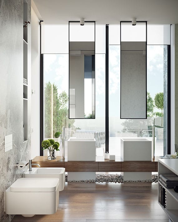 zen bad ideen mit kiesboden, holzwaschtisch mit freistehenden waschbecken, hängendespiegeln vor glasfassade mit weißen fensterrollos