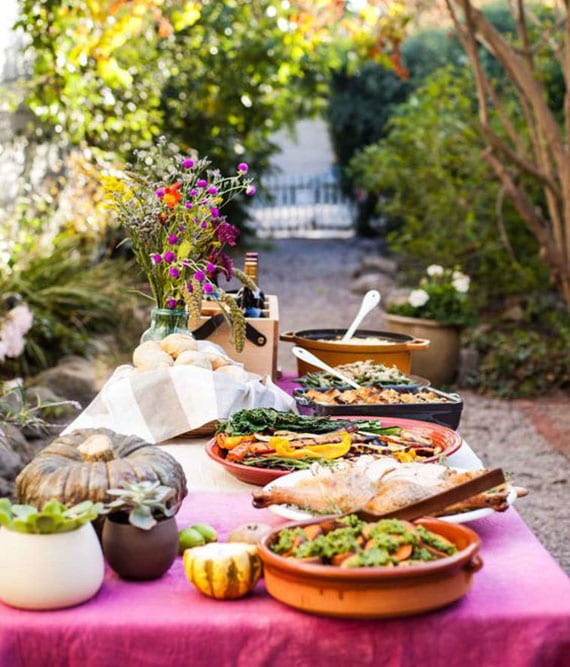 fröhliche dekoideen und leckere rezeptideen für ein gartenparty-buffet im hebst