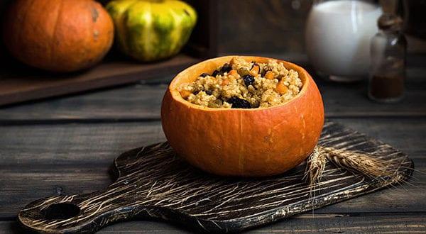 Kürbis als Servierschale – brillante Deko- und Rezeptideen für einen festlichen Herbsttisch
