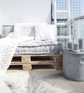 matratzenkissen-vielfältig-und-kreativ-verwenden-für-eine-gemütliche-gestaltung-im-innenbereich-und-im-garten