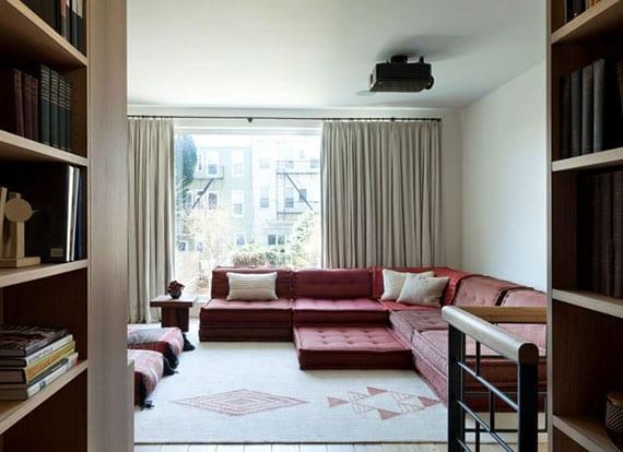 schicke einrichtungsidee mit einem Bodenkissen-Sofa für moderne wohnzimmer mit gemütliches ambiente