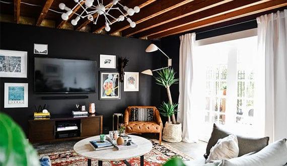 tipps-und-interessante-ideen-für-wohnliche-wohnzimmergestaltung-mit-effektvoller-TV-Wand-und-gemütlicher-fernsehecke