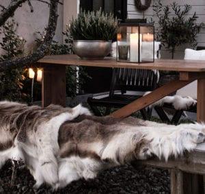 Garten-und-Terrasse-zum-gemütlichen-Wohn--und-Lebensraum-in-der-kalten-Winterzeit-machen