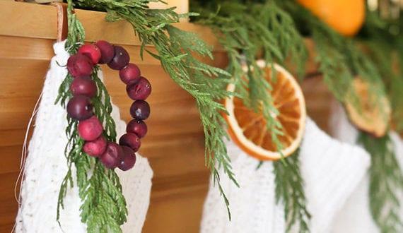 coole-deko-ideen-mit-orangen-und-tannengrün-für-gemütliches-ambiente-in-der-weihnachtszeit