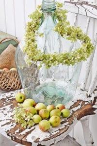 herbstdeko-selber-basteln-und-arrangieren-mit-äpfeln
