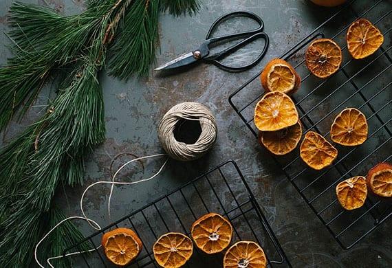 orangenscheiben trocknen und coole diy weihnachtsdeko basteln