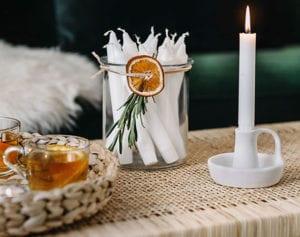 moderne-und-coole-deko-ideen-mit-kerzen-und-getrockneten-orangen